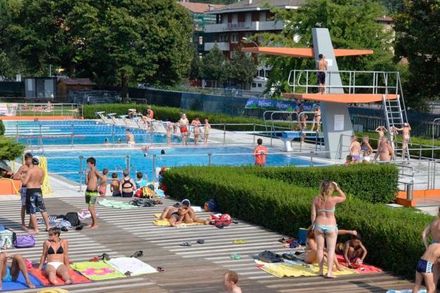 a85bc3023aac Gli impianti stavano per chiudere, ma la domenica della piscina di Rovereto  s'è conclusa con un movimentato e spiacevole episodio. Ad un certo punto,  ...