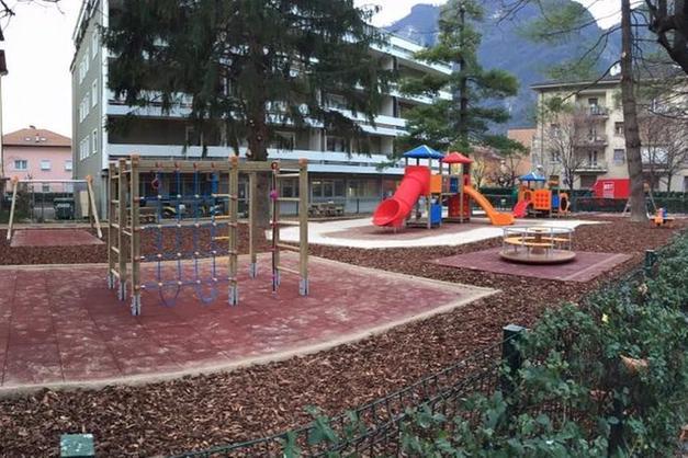 Mezzolombardo festeggia il rinato parco giochi - Trento - Trentino