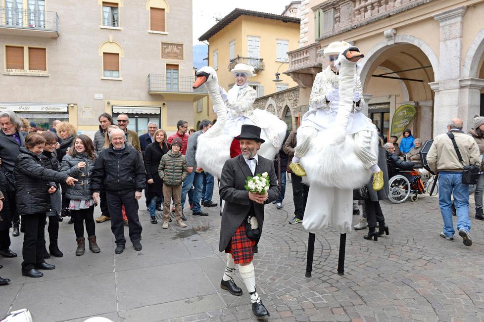 Matrimonio In Kilt : Matrimonio show per danny zampiccoli il gestore del