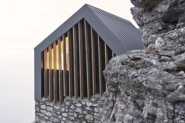 Architetti premio al progetto per il bivacco pradidali for Sito per architetti