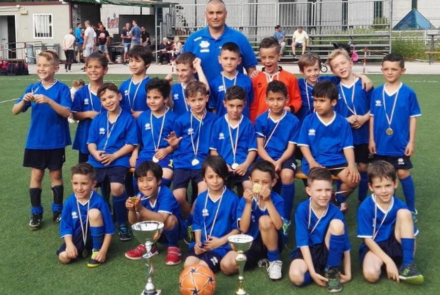 Calcio Per Bambini Bolzano : Il magazine del calcio altoatesino vi aspetta in edicola sport