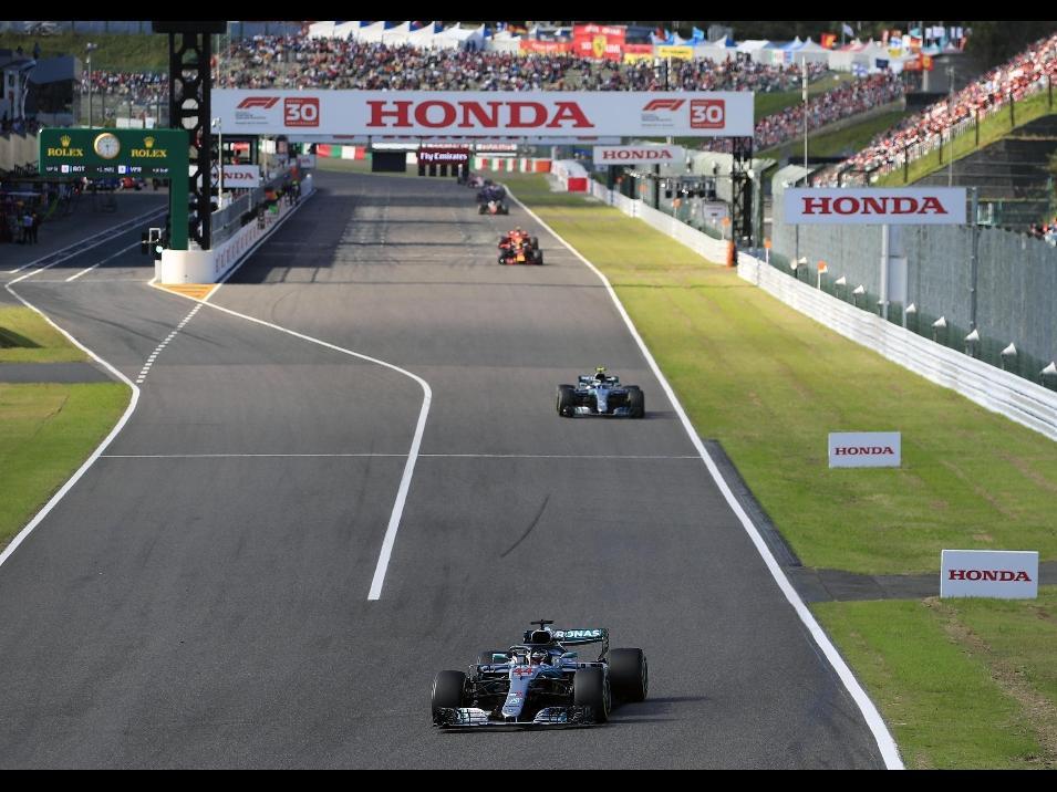 F1 GP Giappone: disastro Ferrari, vince Hamilton, a un passo dal mondiale