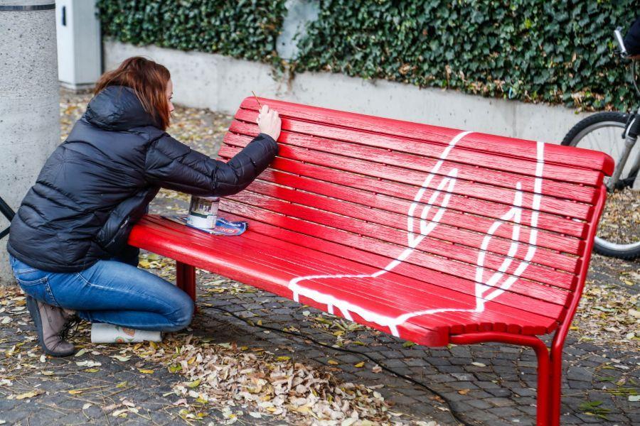 10++ Panchina Rossa Violenza Donne