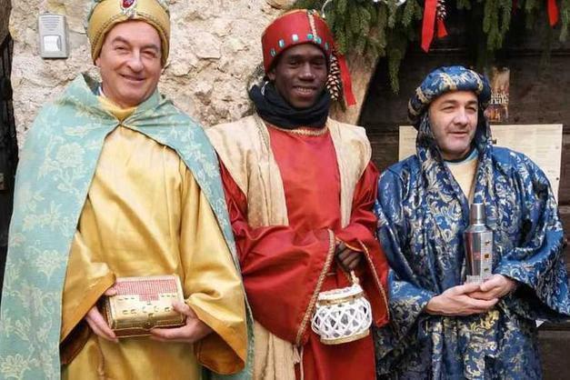Il Profugo Mohamed Si Veste Come Uno Dei Tre Re Magi Giudicarie E