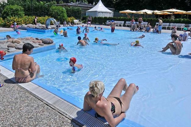 Piscina All Aperto.Piscine Ora Si Fa Il Bagno All Aperto Trento Trentino