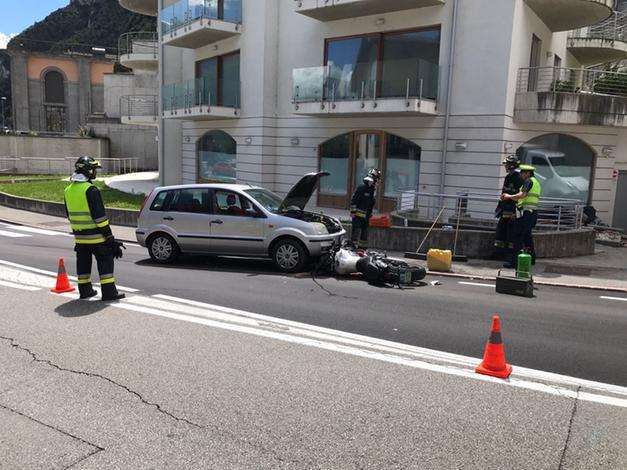 b38ac27fce3 Una donna trentina di 38 anni è rimasta ferita in un incidente con la moto  davanti alla centrale idroelettrica di Riva