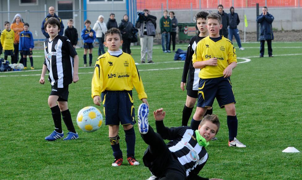 Calcio Per Bambini Bolzano : Scarpe calcio calcio a nike mercurial a bolzano kijiji