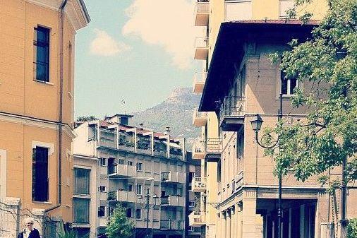 Salotto Verde Rovereto : The hub: un film documentario sullacqua e il primo «salotto urbano