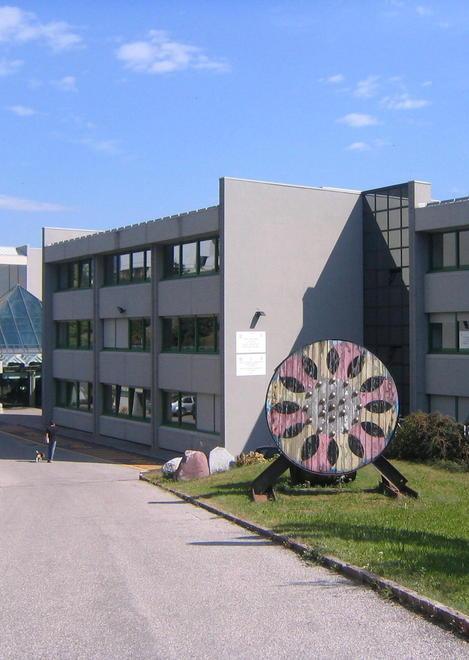 Ufficio Di Lavoro Trento : Cles al russell lezioni nell ufficio della preside trento